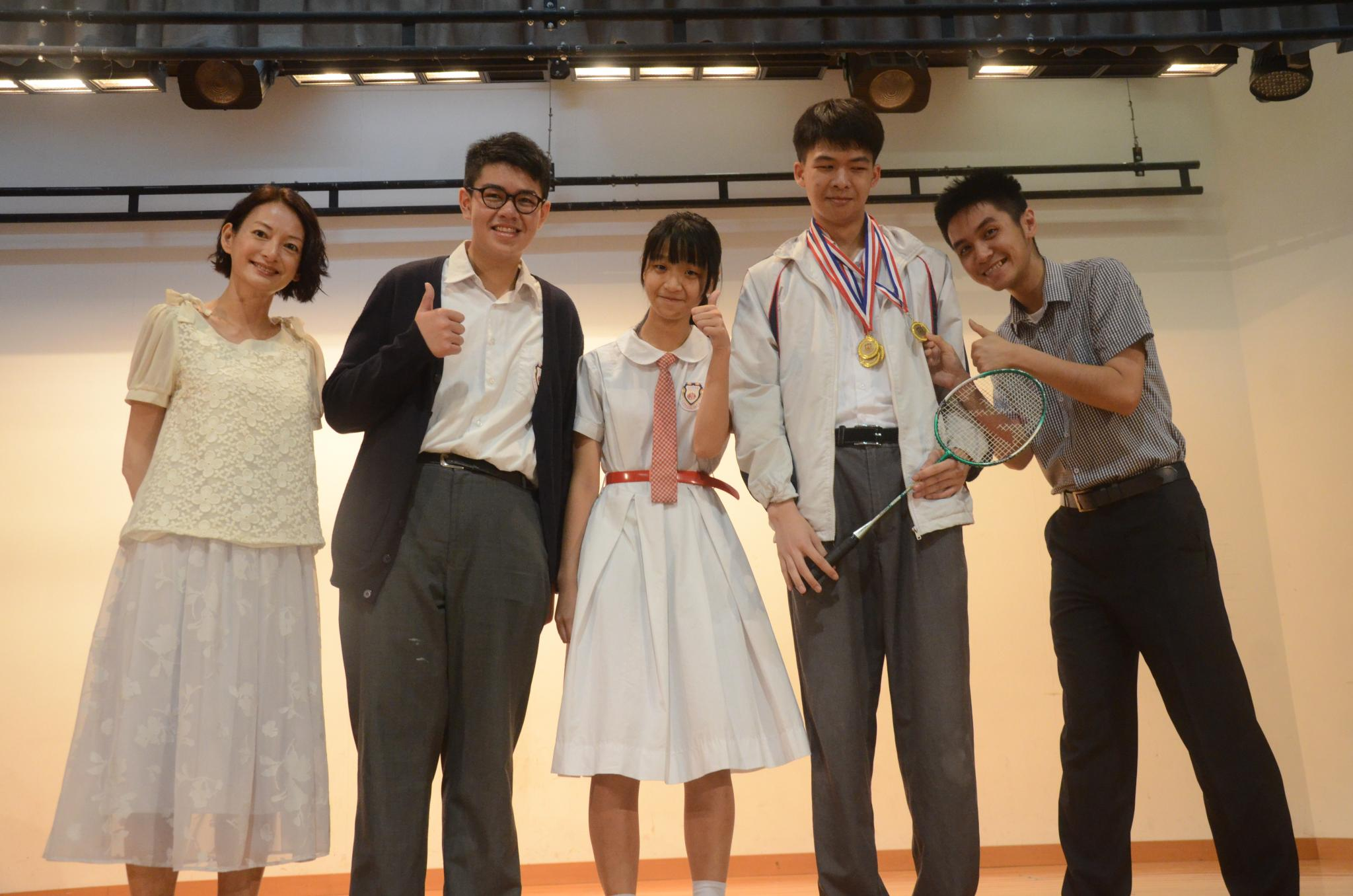 The representatives of House Leopard were awarded The Champion by our Vice Principal Ms. Siu.